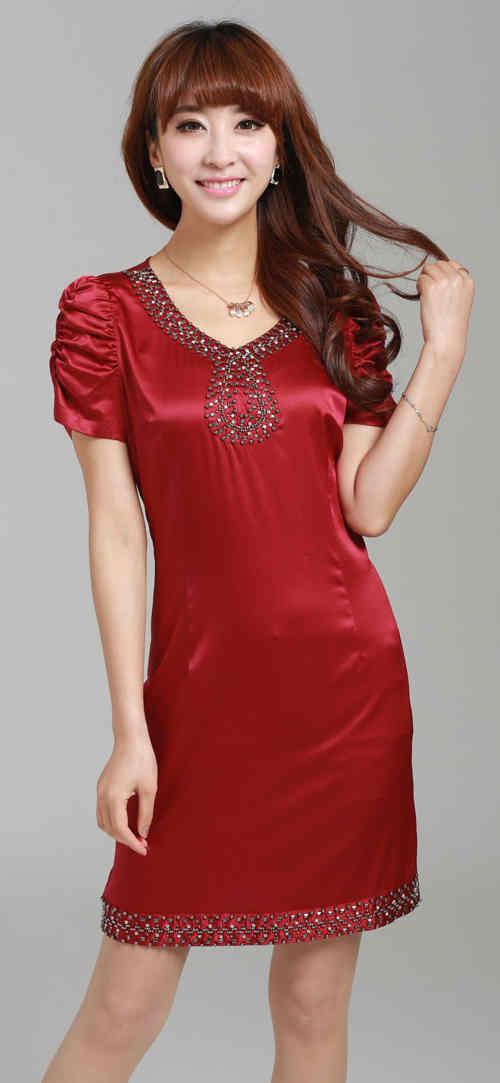 丝绸连衣裙